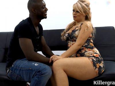 Imagem Xnx porno Negão pegou essa loirinha muito gostosa