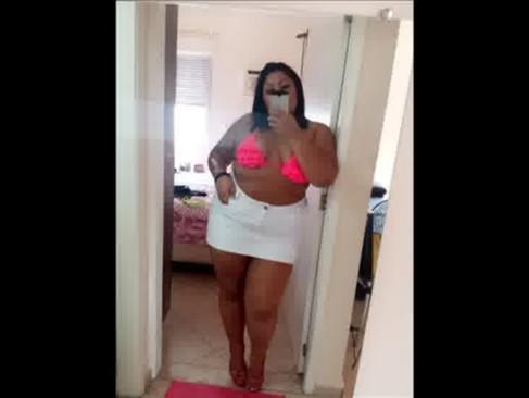 Imagem Portal porno Gordinha safada mostrando seu corpo